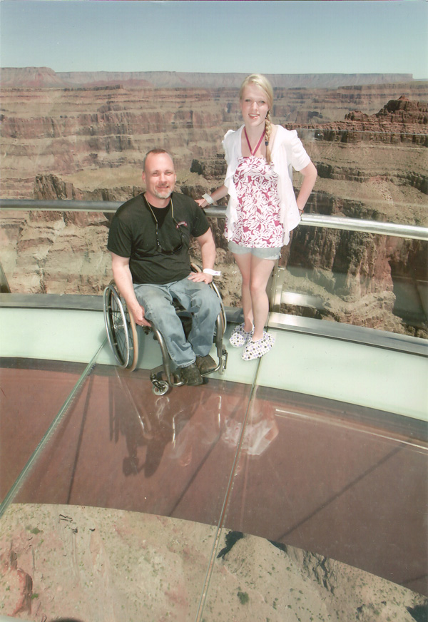 Grand canyon skywalk death www pixshark com images galleries with a bite